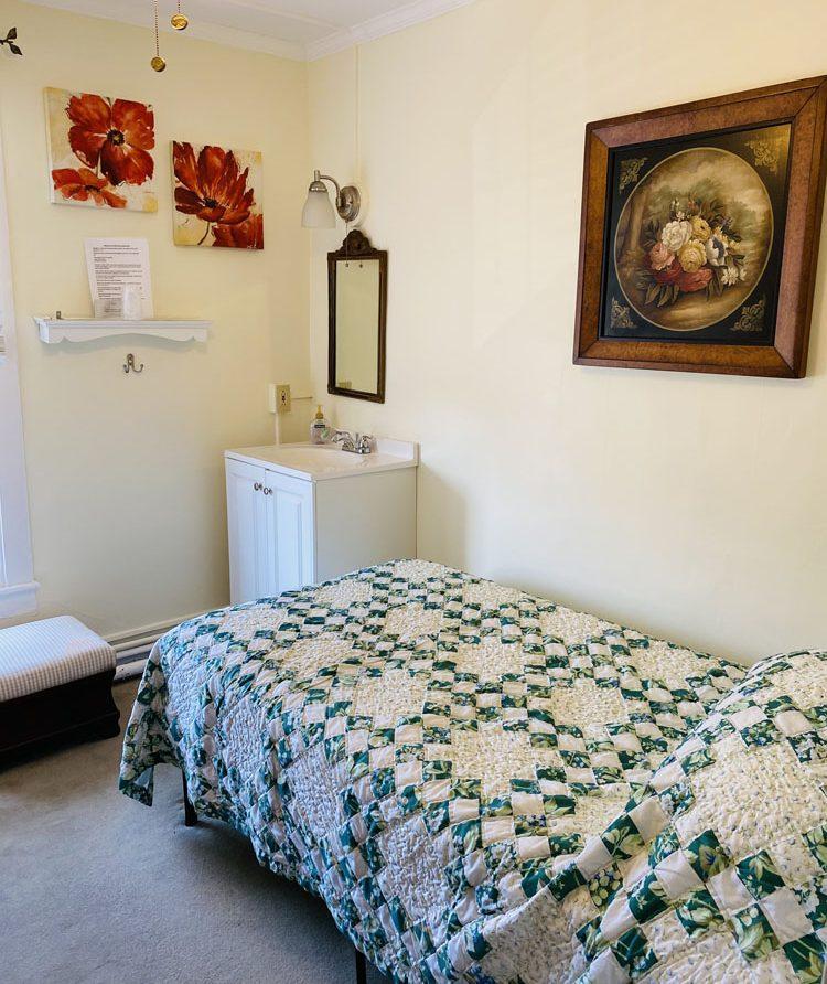 room 6 photo