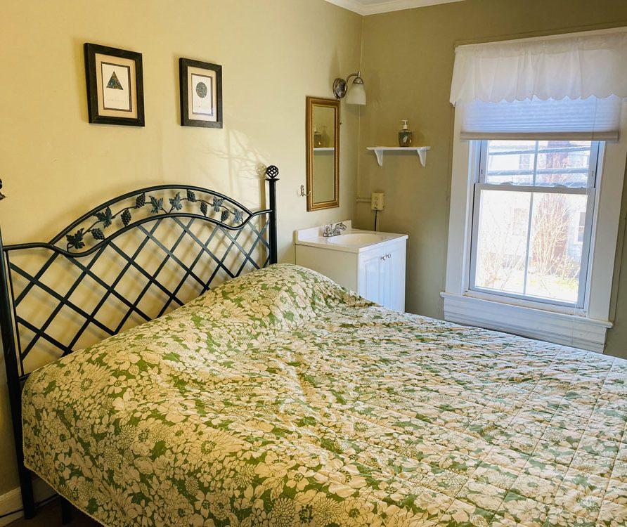room 8 photo